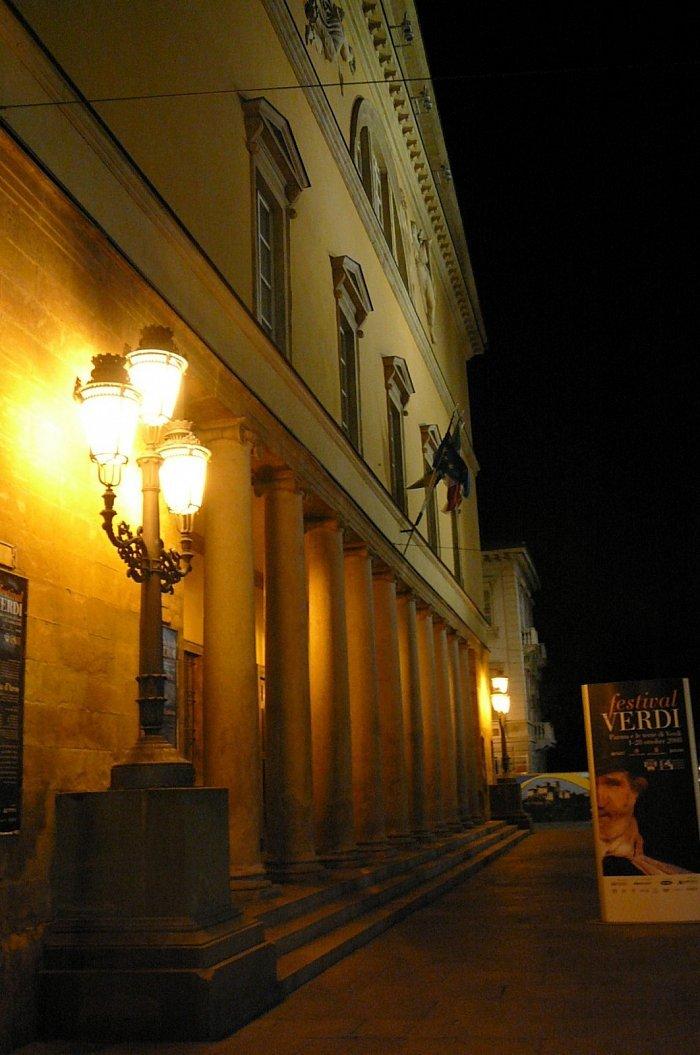 Parma datování