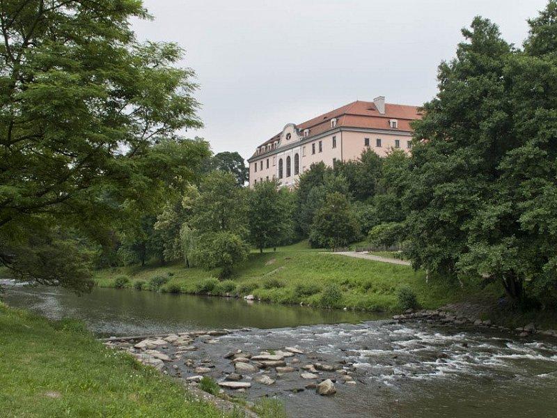 Vsledky voleb pro obec Hustopee nad Bevou - alahlia.info