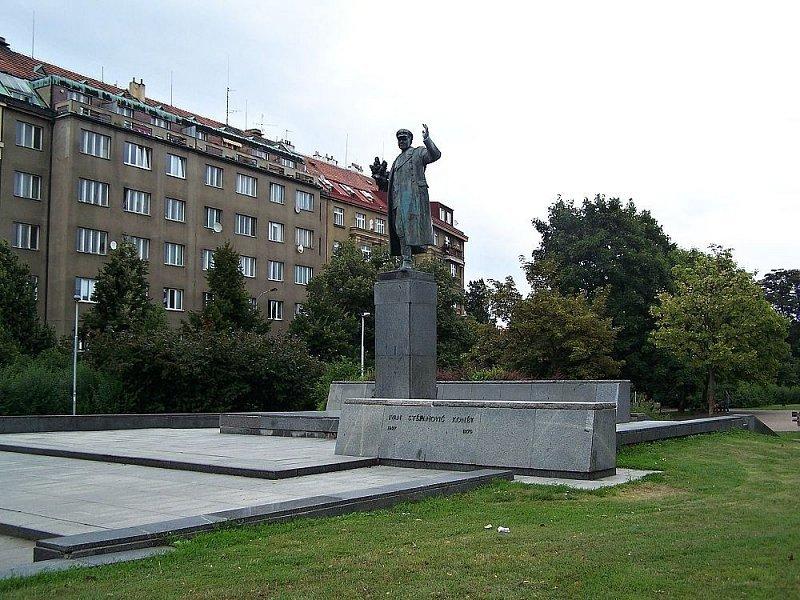 Výsledek obrázku pro Koněv socha