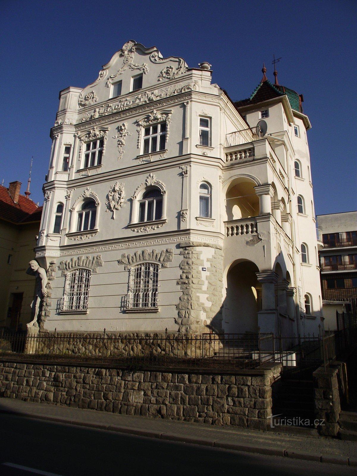 Lázeňský dům orgie